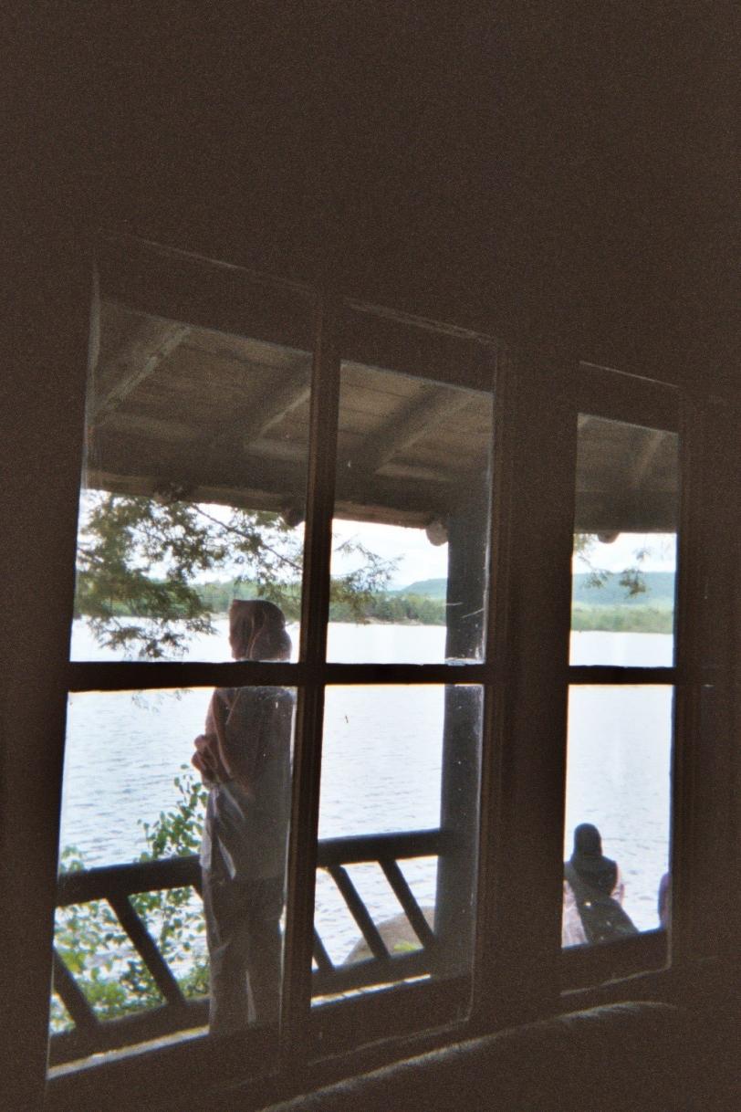 looking-far-away-into-the-lake