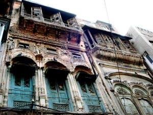 Old colonial home in Amritsar,check the rooftop contiguity